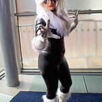 MCM Manchester Con 2016, Marvel Comics, Marvel, Comics, Black Cat, Cosplayer, Cosplay, Female, Jumpsuit, Gloves, Mask, Boots, Collar, Zip, Wig, Black, White