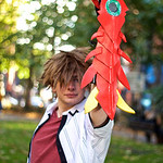 NW Cosplay Halloween Meet 2016, Anime, Manga, Cosplay, Cosplayer, Male, Shirt, Top, Wig, Glove, Weapon, Metal, Crystal, Park, Trees, Leaves, Grass, Red, White, Black, Brown, Orange