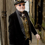 Cogs, Glasses, Goggles, Goth, Gothic, Jacket, Male, Man, Pipes, Shirt, Steampunk, Sun Glasses, Top Hat, Waist Coat, WGW, Whitby, Whitby Gothic Weekend, Whitby Gothic Weekend April 2017, Pant ...